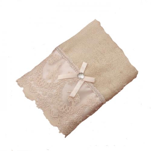 Полотенце для рук с кружевом